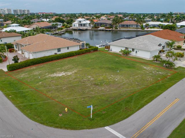 150 Post Ct, Marco Island, FL 34145