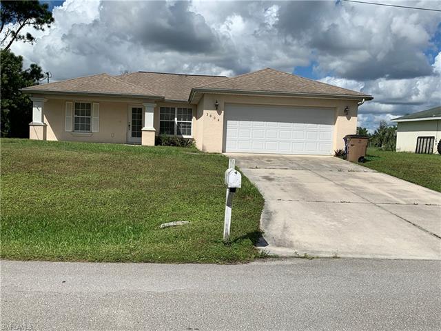 3004 52nd St W, Lehigh Acres, FL 33971