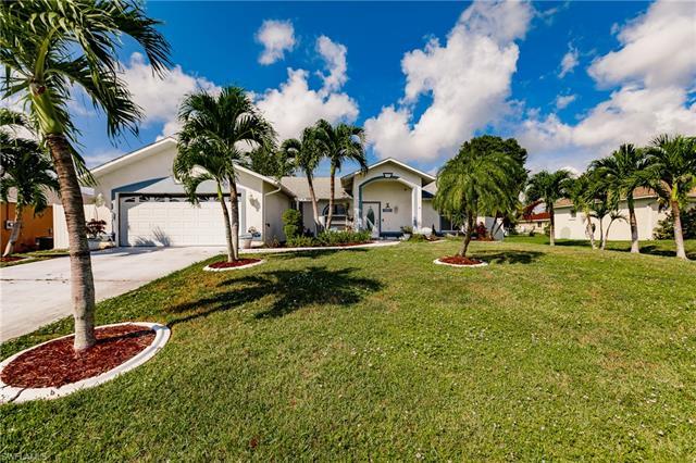 2716 1st Pl, Cape Coral, FL 33914