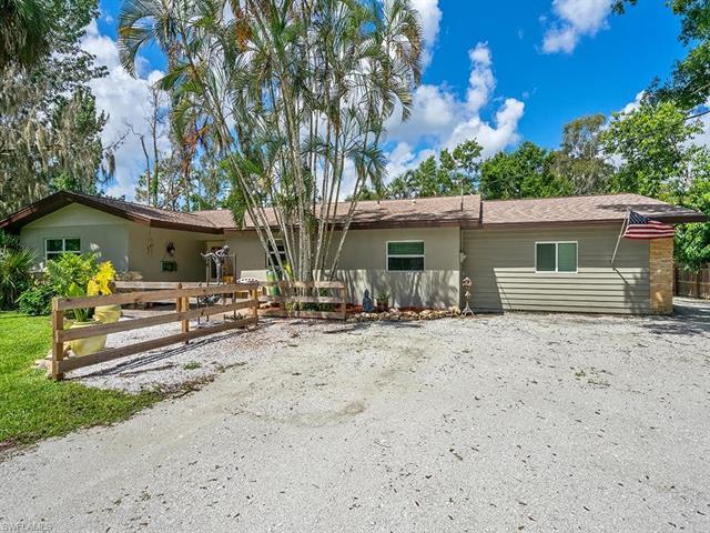 4090 Woodbrier Dr, Fort Myers, FL 33905