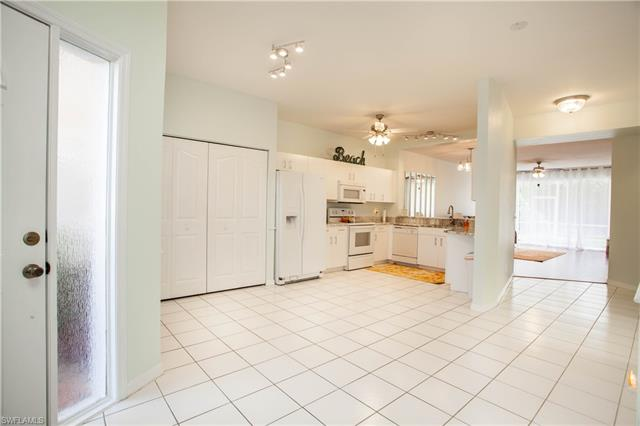 1747 Reuven Cir 1703, Naples, FL 34112