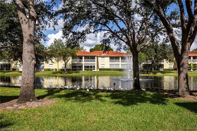 100 Diamond Cir 108, Naples, FL 34110