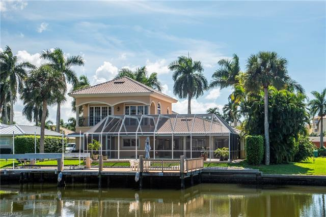 117 Channel Dr, Naples, FL 34108
