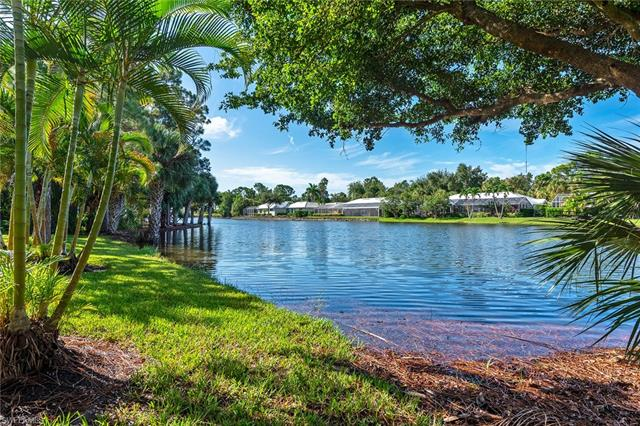 750 Waterford Dr 101, Naples, FL 34113
