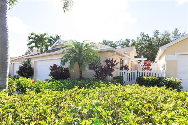 14818 Sterling Oaks Dr, Naples, FL 34110