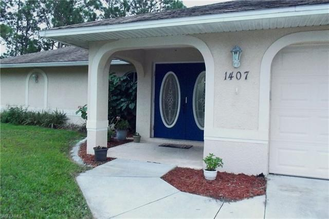 1407 15th St, Lehigh Acres, FL 33972