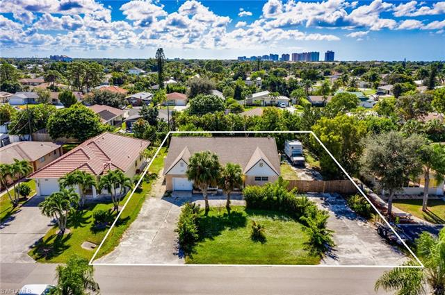 712 96th Ave N, Naples, FL 34108