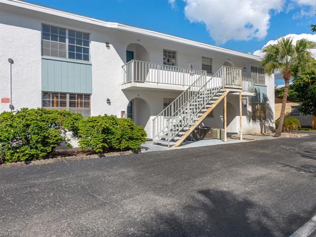4900 Biscayne Dr 23, Naples, FL 34112