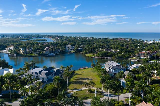 3060 Fort Charles Dr, Naples, FL 34102