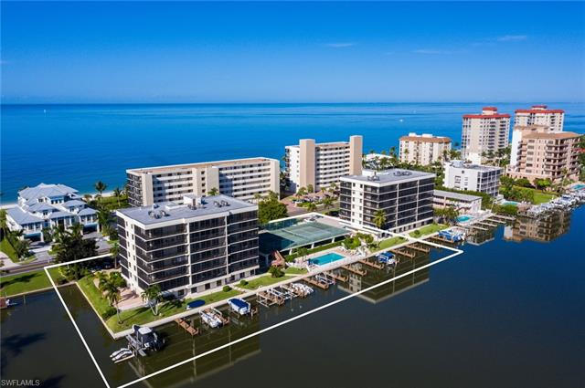 10420 Gulf Shore Dr 112, Naples, FL 34108