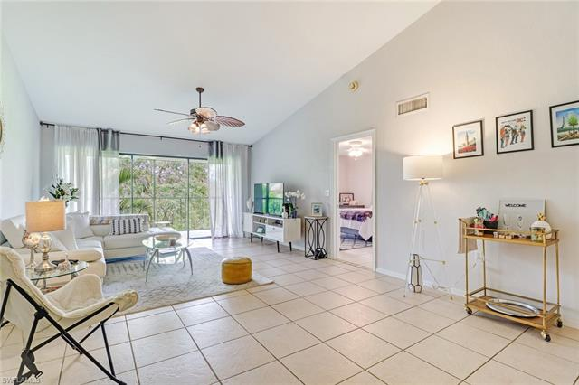 1220 Commonwealth Cir M-205, Naples, FL 34116