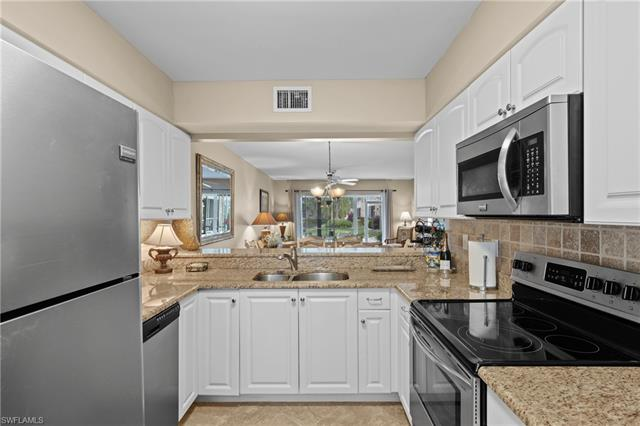 102 Pebble Shores Dr 3-104, Naples, FL 34110