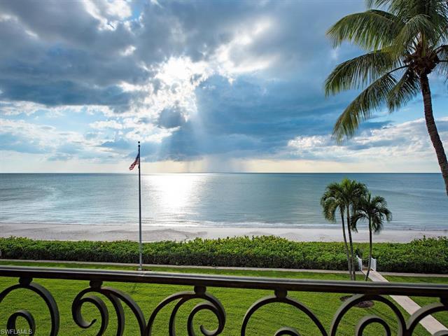 2700 Gordon Dr, Naples, FL 34102