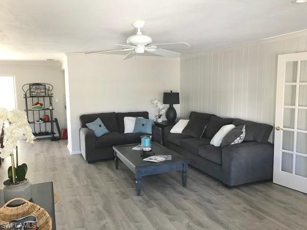 1175 Sandpiper St, Naples, FL 34102