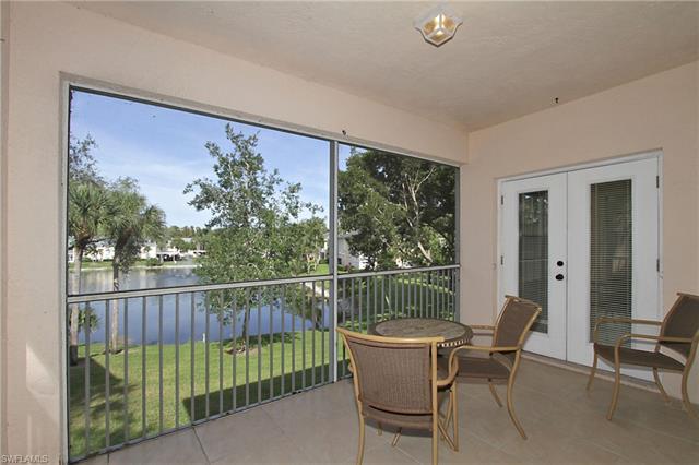 668 Wiggins Lake Dr 201, Naples, FL 34110