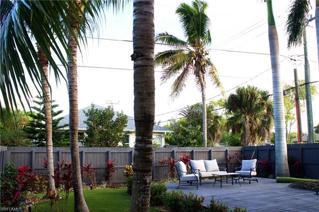 799 104th Ave N, Naples, FL 34108