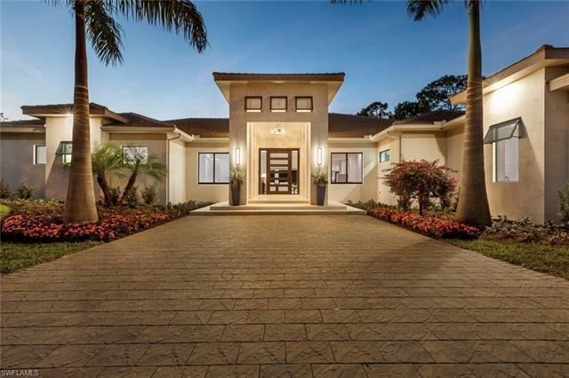437 West St, Naples, FL 34108