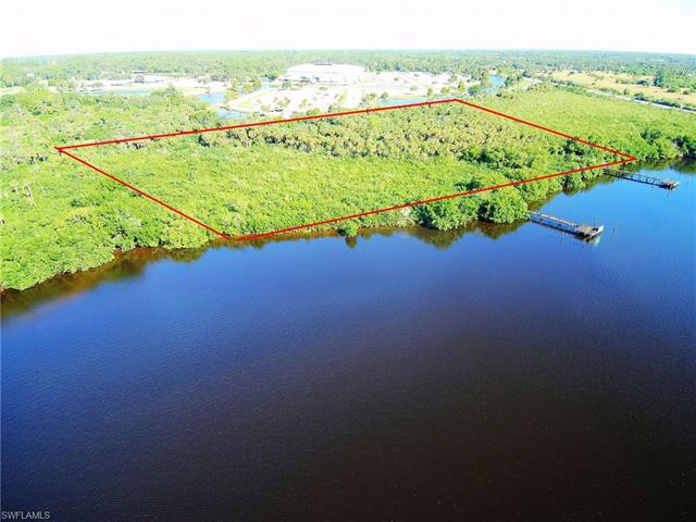 11790 Bayshore Rd, North Fort Myers, FL 33917