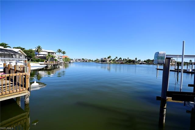 9990 Gulf Shore Dr, Naples, FL 34108