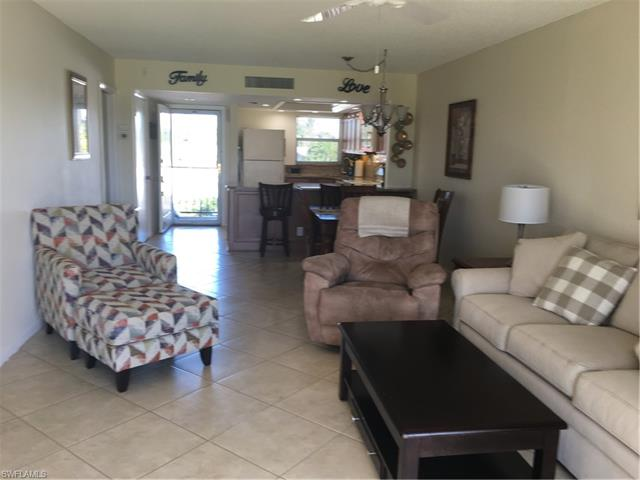 9 High Point Cir N 205, Naples, FL 34103