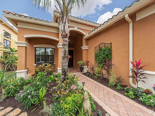 3471 Pacific Dr, Naples, FL 34119