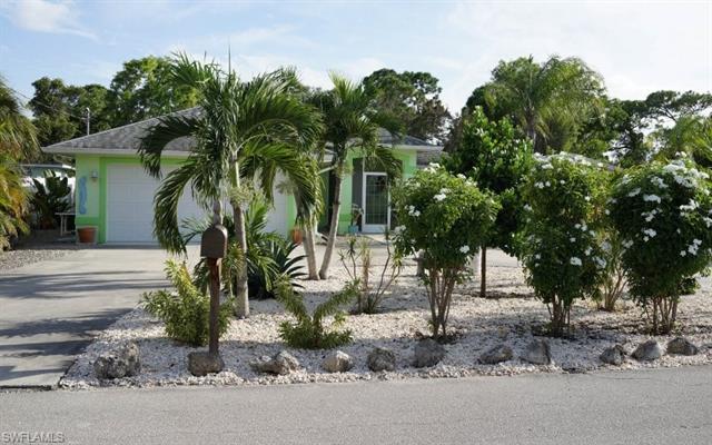 4237 Springs Ln, Bonita Springs, FL 34134