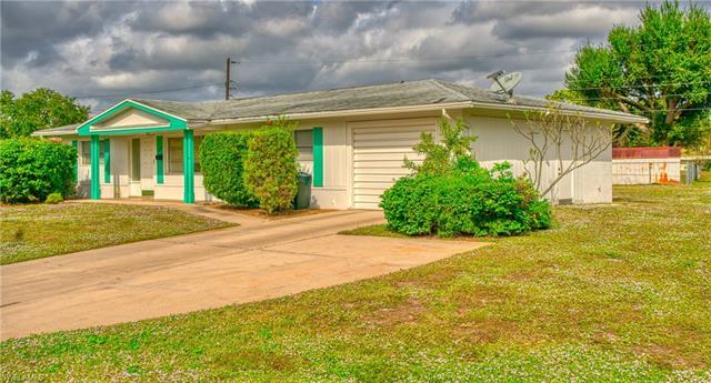 1523 Huntdale St E, Lehigh Acres, FL 33936