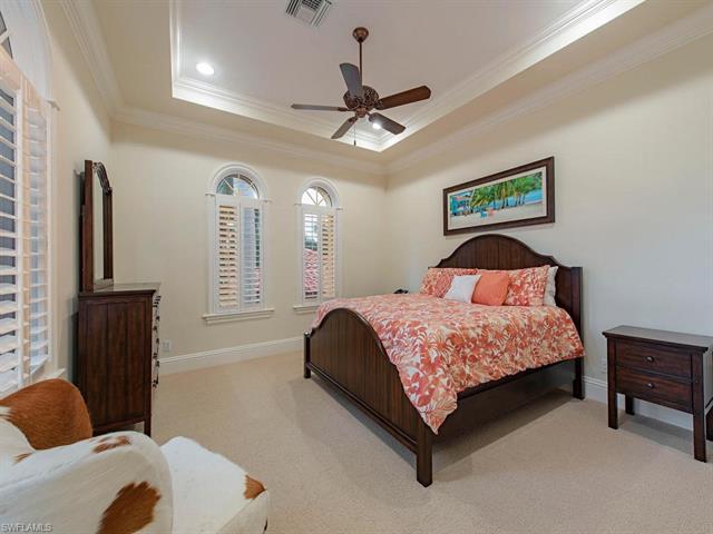 1625 Gulf Shore Blvd S, Naples, FL 34102