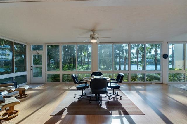 760 Waterford Dr 101, Naples, FL 34113