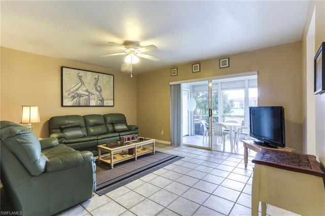 7320 Glenmoor Ln 2105, Naples, FL 34104