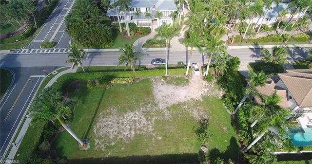 1775 Gulf Shore Blvd S, Naples, FL 34102