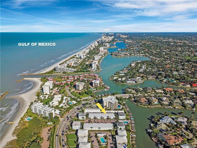 2100 Gulf Shore Blvd N 215, Naples, FL 34102