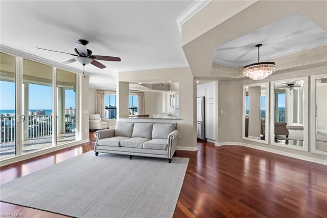 300 Dunes Blvd Ph-3, Naples, FL 34110