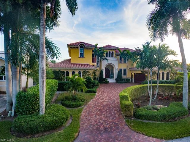 590 17th Ave S, Naples, FL 34102