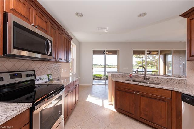 8755 Coastline Ct 101, Naples, FL 34120