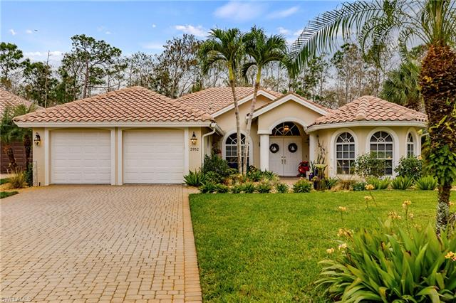 2952 Lone Pine Ln, Naples, FL 34119