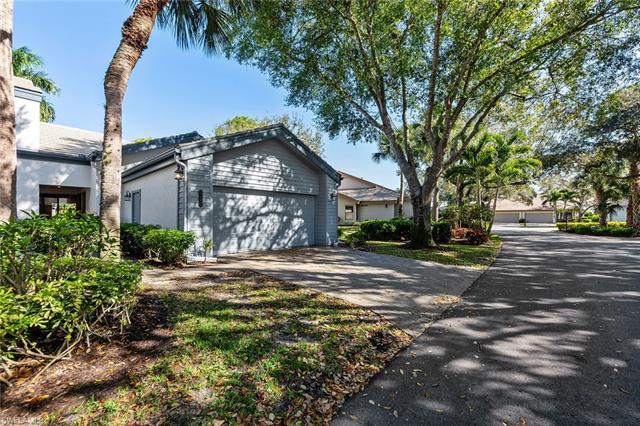 27052 Kindlewood Ln, Bonita Springs, FL 34134