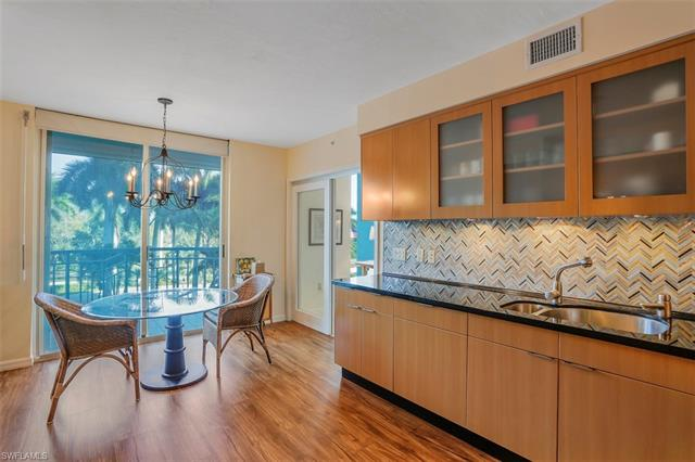 7515 Pelican Bay Blvd 3b, Naples, FL 34108