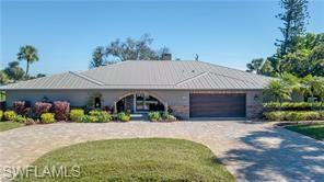 448 Golfview Dr, Naples, FL 34110