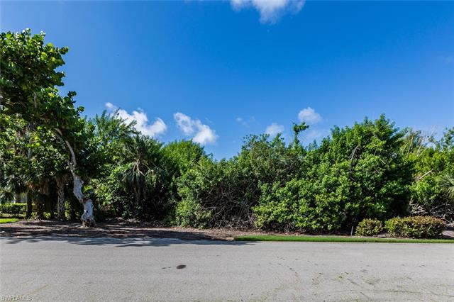 335 Hideaway Cir, Marco Island, FL 34145