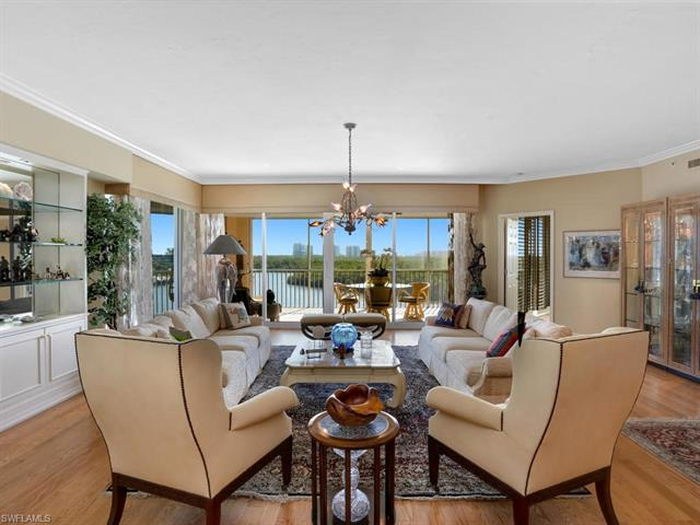 425 Dockside Dr 501, Naples, FL 34110