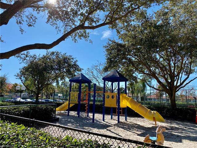 1220 Reserve Way 302, Naples, FL 34105