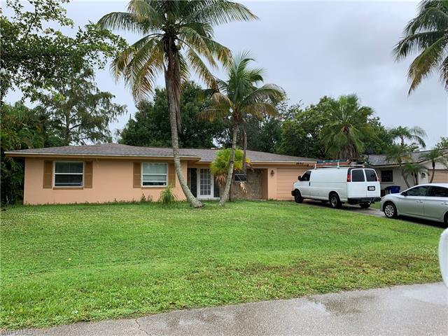 1640 Hermitage Rd, Fort Myers, FL 33919