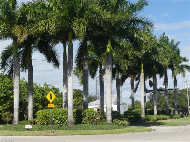 499 Forest Lakes Blvd 2-108, Naples, FL 34105