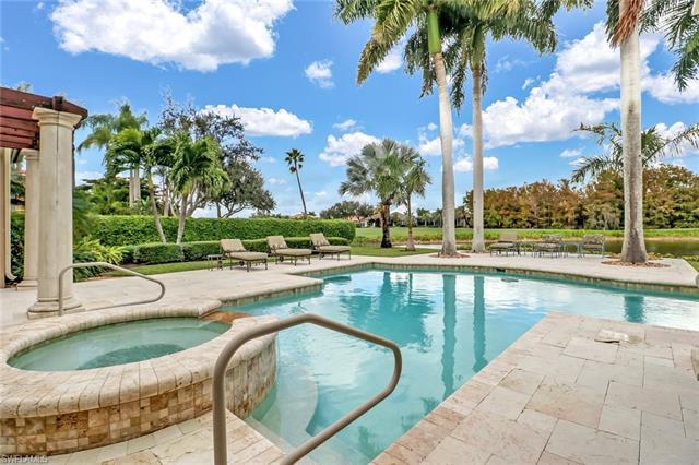 6429 Highcroft Dr, Naples, FL 34119
