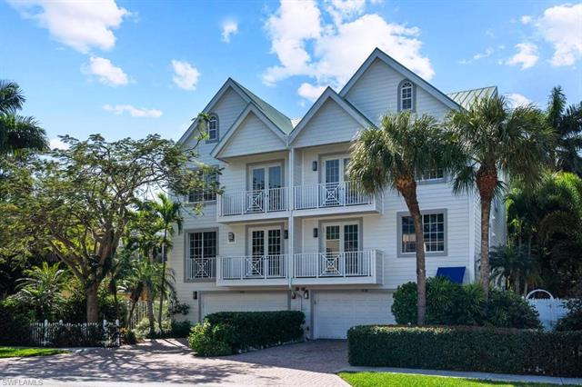 888 10th St S, Naples, FL 34102