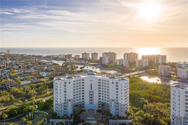 300 Dunes Blvd 1004, Naples, FL 34110