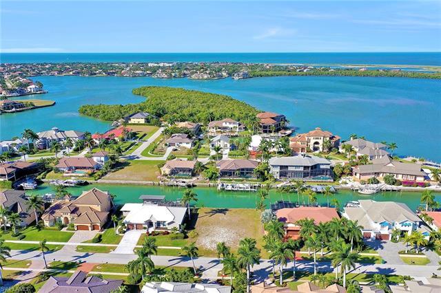 940 Hyacinth Ct, Marco Island, FL 34145