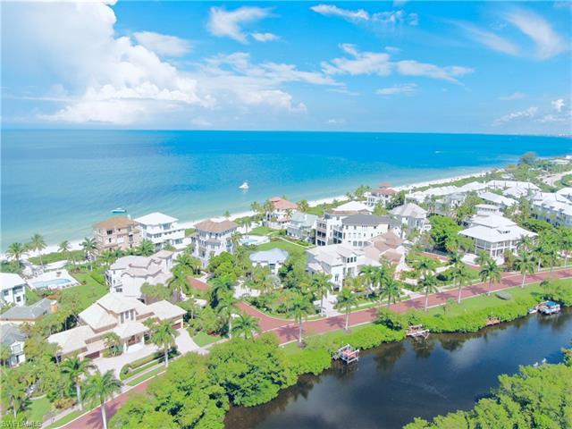 101 Curacao Ln, Bonita Springs, FL 34134