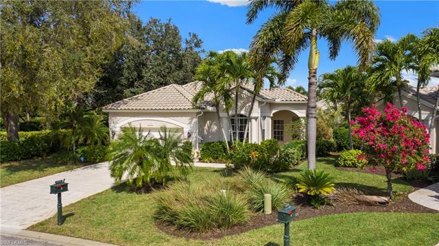 24721 Goldcrest Dr, Bonita Springs, FL 34134